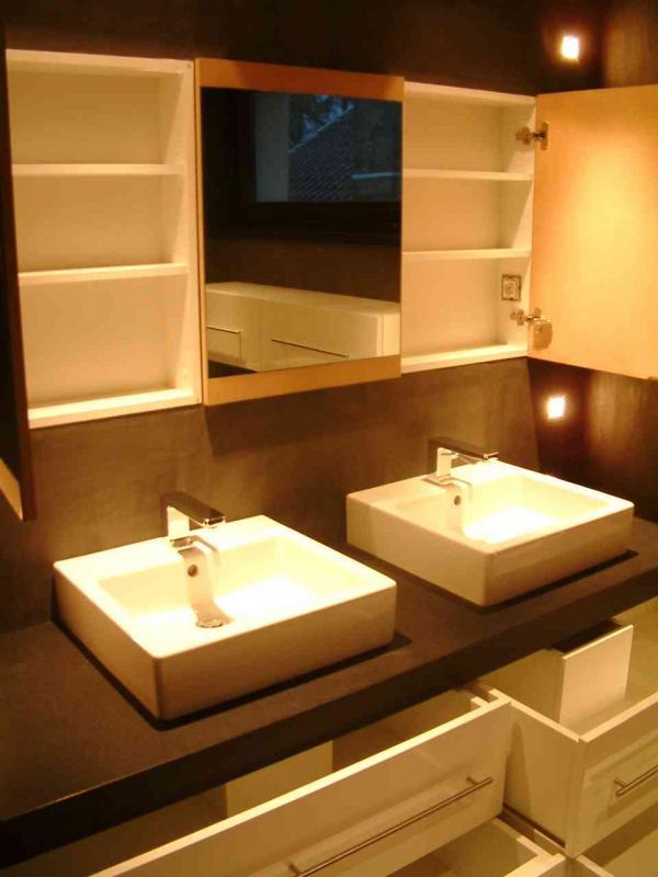 Salle de bain meubles sur mesure salle de bains sur - Miroir salle de bain sur mesure ...