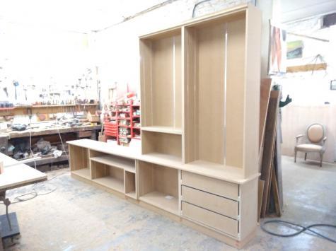 Fabrication de la bibliotheque en atelier