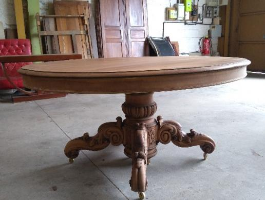 Restauration d'une table ATELIER SAINTE ANNE Armentieres